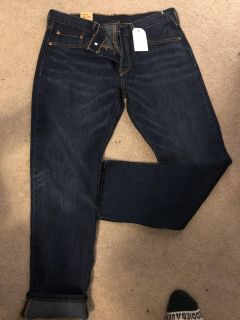 NWT Levis 501 Buttonfly