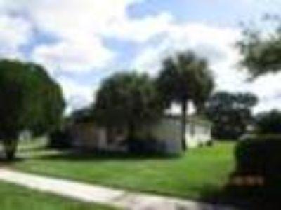 405 SE Abeto Ln, Port Saint Lucie, FL