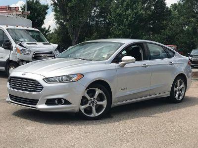 2014 Ford Fusion Hybrid SE (Ingot Silver Metallic)