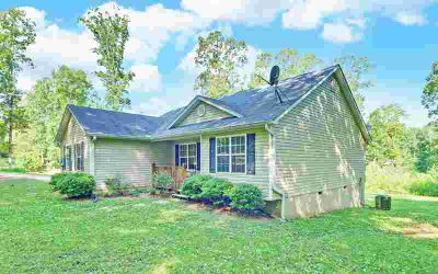 1266 Roundtop Road ELLIJAY Three BR, ONE LEVEL LIVING in this