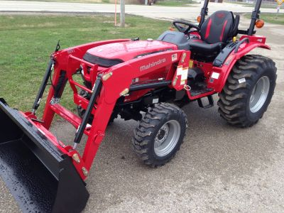 2019 Mahindra 1626 HST OS Compact Tractors Elkhorn, WI
