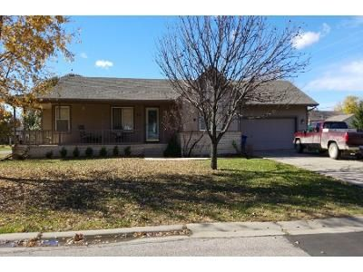 4 Bed 3.0 Bath Preforeclosure Property in Augusta, KS 67010 - Country Ln