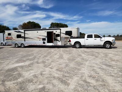 2019 Sundowner 2286SGM, Toyhauler, 41 Ft Garage Model