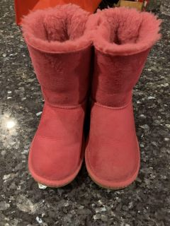 Girls ugg boots size 13 pink