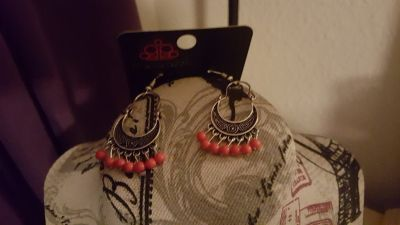 Earrings (pink)