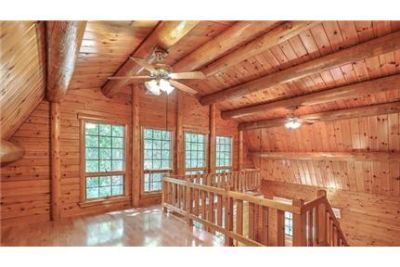 Beautiful 2 story home in in the heart of historic Summerville. Dog OK!