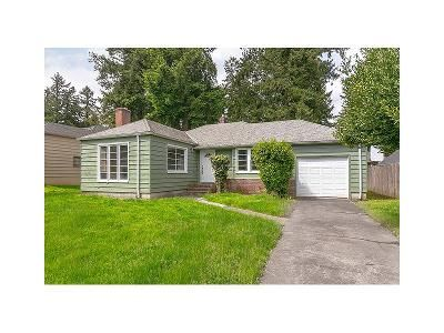 2 Bed 1 Bath Foreclosure Property in Portland, OR 97220 - NE 102nd Ave
