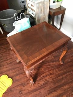 Ethan Allen Chippendale Mahogany Claw and Ball End Table