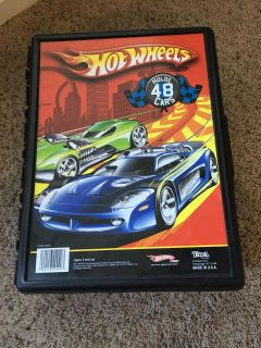 Hot Wheel case and cars