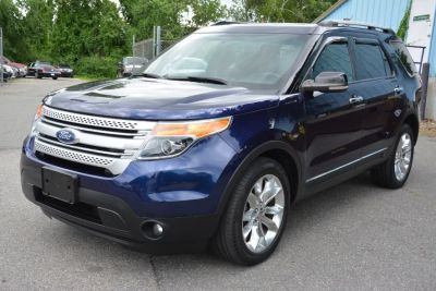 2011 Ford Explorer XLT (Kona Blue Metallic)