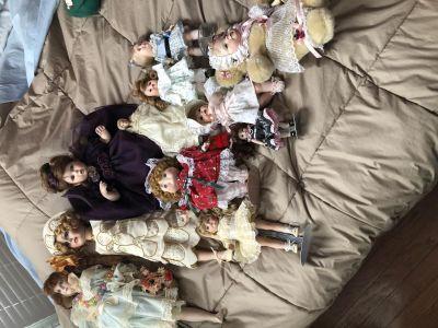 Vintage porcelain dolls With authenticity