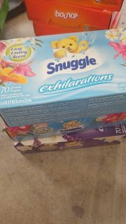 Snuggle dryer sheets 70 count