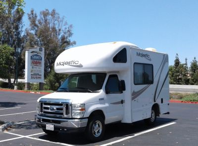 2010 Thor Motor Coach FOUR WINDS MAJESTIC 19G