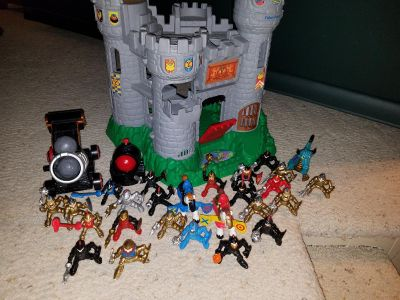 Knight playset with figurines