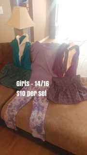 Girls clothes- like new condition