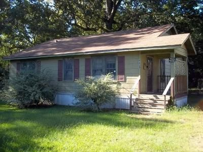 2 Bed 1 Bath Foreclosure Property in Jackson, MS 39209 - Dixie Dr