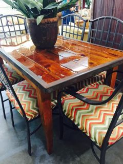Unique table and 6 chairs