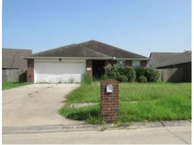 4 Bed 2 Bath Foreclosure Property in Baytown, TX 77523 - Judy