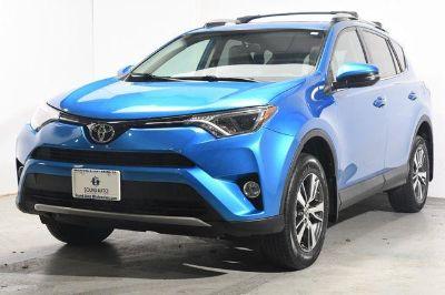 2016 Toyota RAV4 XLE (Blue)