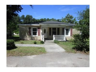 3 Bed 1 Bath Foreclosure Property in Walterboro, SC 29488 - Colleton Loop
