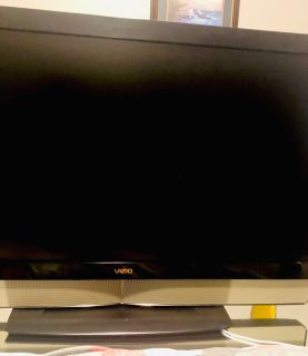 55 Flat Screen Vizio LED 1080p HDTV