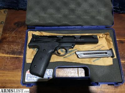 For Sale: Smith and Wesson 22a-1