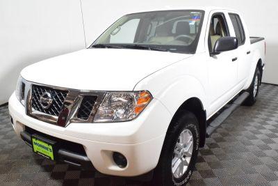 2016 Nissan Frontier SE V6 (white)