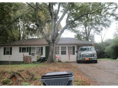 3 Bed 1.0 Bath Preforeclosure Property in Austell, GA 30106 - Old Westside Rd