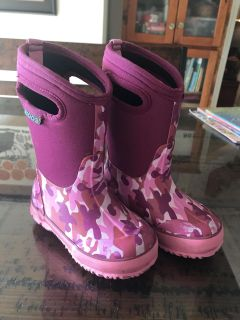 Girls Boots Rainboots Shoes By BOGS Size 9