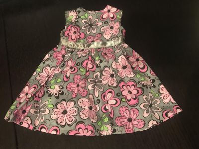 Beautiful Floral Doll Dress Like New Condition fits 18 Dolls $5.00