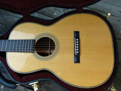 Martin 00-28V Guitar in New Condition