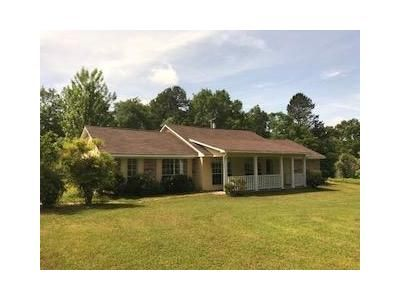 3 Bed 2.5 Bath Foreclosure Property in Carthage, MS 39051 - Highway 16 E