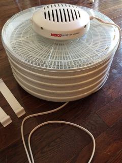 Nesco 5 tray food dehydrator