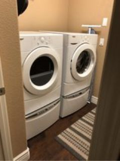 washer & dryer combo w pedestal