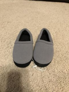 11-12 NWT slippers