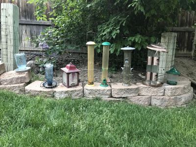 6 Bird feeders and 2 water stations