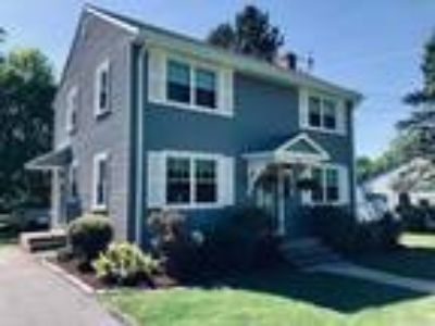 12 Alice Drive, Manchester, Ct 06042 Mint Condition!