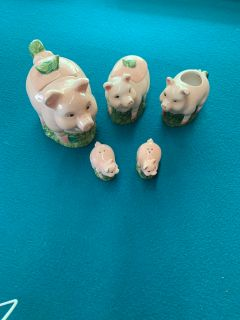 Cute pig decor for kitchen salt and pepper shakers