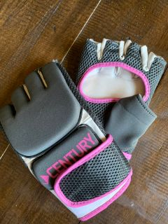 Women s M/L Kickboxing Gloves