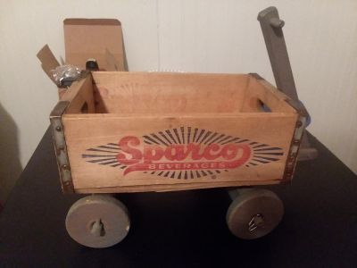 Wooden wagon vintage 1970