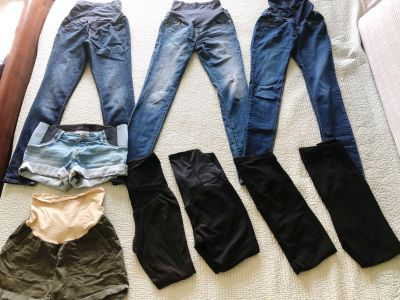 LARGE LOT OF MATERNITY BOTTOMS