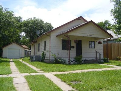 $475 NICE 2 BEDROOM HOME ~ 25 MINUTES SOUTH OF FORT RILEY/JC AREA