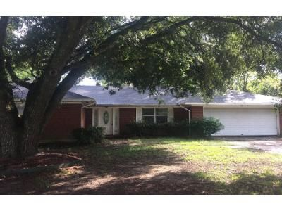 3 Bed 2 Bath Preforeclosure Property in Monroe, LA 71203 - Magnolia Dr