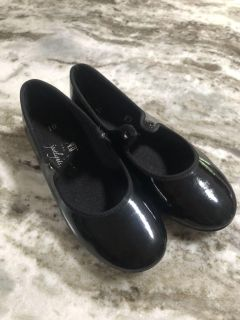 Tap shoes, size 10
