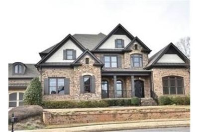 Beautiful custom-built home in a gated community. Washer/Dryer Hookups!