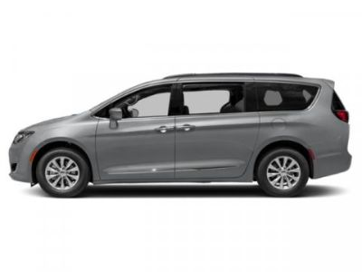 2019 Chrysler Town & Country Touring (Billet Silver Metallic Clearcoat)