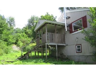 4 Bed 1 Bath Foreclosure Property in Schuylerville, NY 12871 - Myers Ln