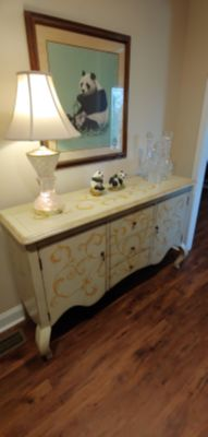 Could be buffet or TV stand ( Sevierville?)