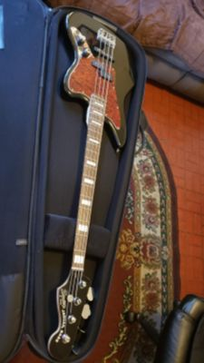 SQUIER BY FENDER JAGUAR BASS CRAFTED IN INDONESIA IN BLACK COLOR