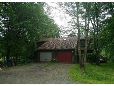 2 Bed 1.5 Bath Foreclosure Property in Averill Park, NY 12018 - Vosburgh Rd